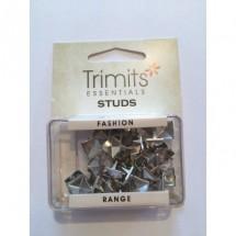Pyramid Claw Studs - Silver 9mm
